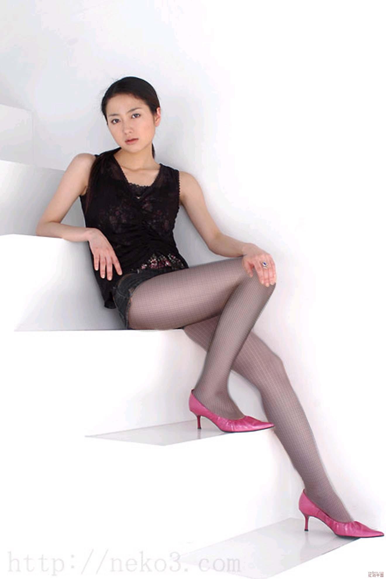 隔着丝袜干_请教关于丝袜的材料-请问下这个丝袜的材质或者品牌