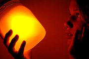 图片标题:太阳罐Sun Jar节能灯 关键字:灯具设计 产品设计 产品效果图  加入时间:2009-10-13 17:17 加入作者:木子过客
